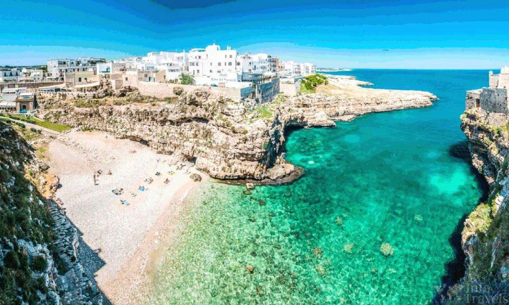 Полиньяно-а-Мар - идеальный пляж для фотосессий