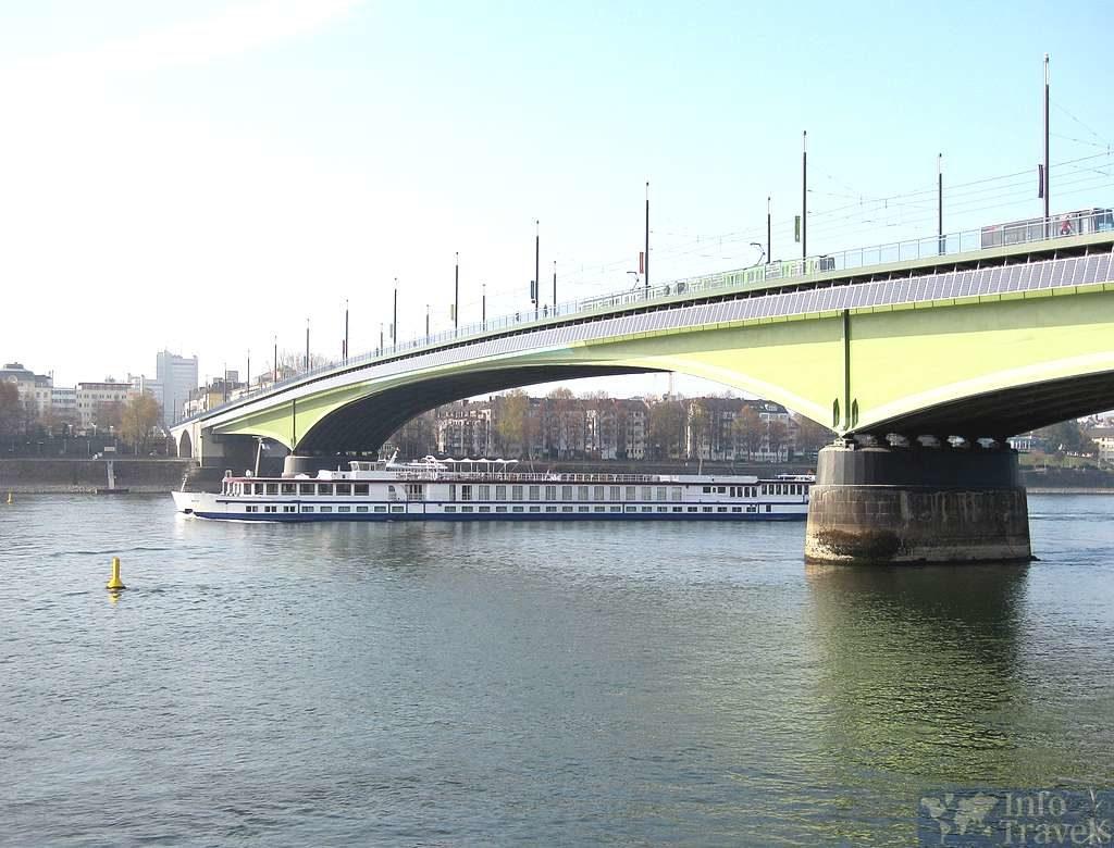 Мост Kennedybrücke в Гамбурге