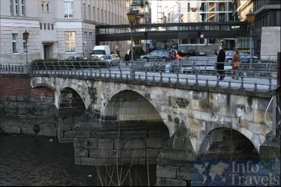 Мост Zollenbrücke в Гамбурге
