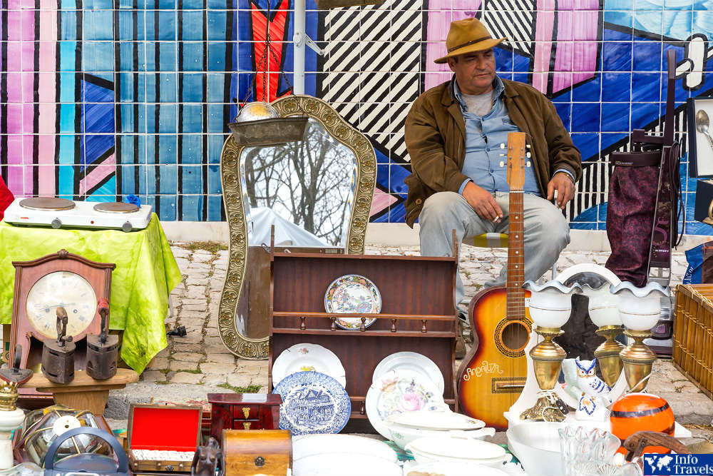 Блошиный рынок Фейра да Ладра