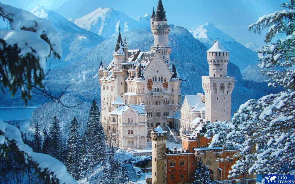 Куда поехать зимой за границу