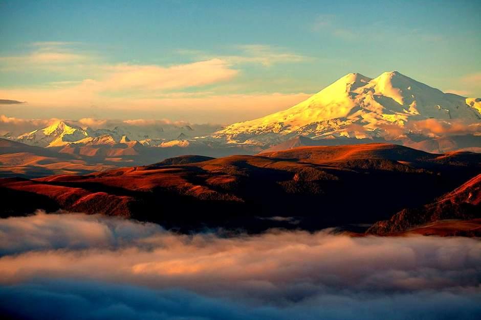 гора Эльбрус одно из самых интересных мест в России