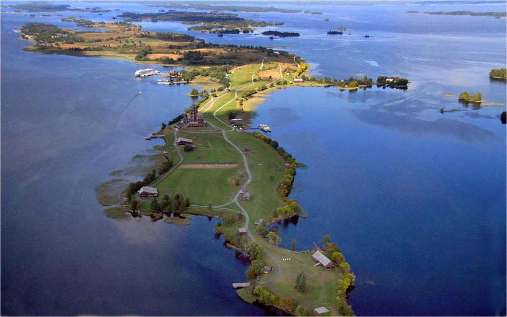 остров Кижи в Онежском озере