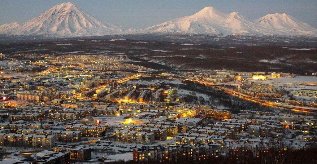 Петропавловск-Камчатский  вид на вулканы