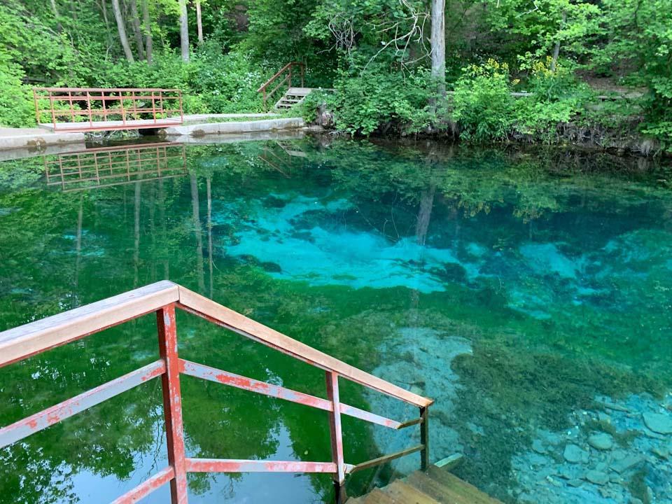 Воды голубых озёр
